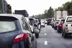 Zanieczyszczenie od ciężkiego ruchu drogowego i cigaratte Fotografia Stock