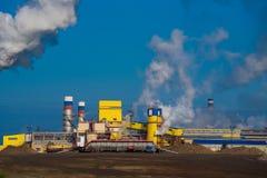 Zanieczyszczenie powietrza fabryka dymem Fotografia Stock
