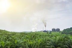 Zanieczyszczenie powietrza produkujący Fotografia Stock