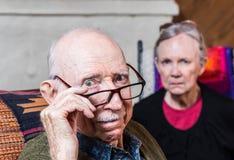 Zaniepokojona starszej osoby para Obrazy Stock