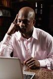 Zaniepokojony afrykański mężczyzna obraz stock