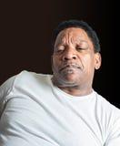 Zaniepokojony amerykanina afrykańskiego pochodzenia mężczyzna fotografia stock