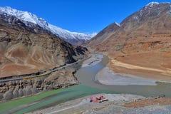 Zanskar河在Leh,拉达克,印度 免版税图库摄影