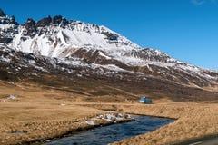 zanskar liggandebergflod iceland royaltyfri bild