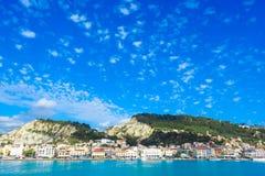 Zante-Stadtpanorama vom Meer Sonniger Sommertag auf der Insel Stockfoto