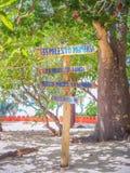 Zanzibar Tanzania drewniany znak z odległościami różny specjalizuje się obraz stock