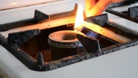 Zapłon zapałczana stara benzynowa kuchenka zdjęcie wideo