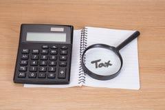 Zapłata i obliczenie podatku pojęcie zdjęcie stock