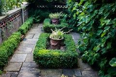 Zapadnięty ornamentacyjny ogród zdjęcia royalty free