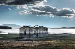 Zapalnya的教会被放弃的村庄  图库摄影