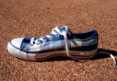 Zapatilla de deporte azul Fotos de archivo libres de regalías