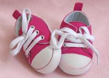 Zapatillas de deporte del bebé imagen de archivo libre de regalías