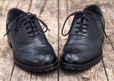Zapato de cuero con el cordón fotos de archivo