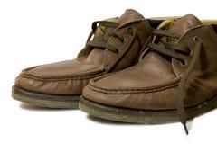 Zapato de cuero del viejo marrón masculino del medio cargador del programa inicial fotografía de archivo libre de regalías