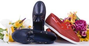 Zapato de la señora adornado con las flores Fotografía de archivo