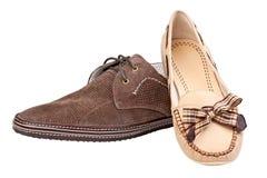 Zapato del ante y holgazán masculinos de la hembra, con el camino Imágenes de archivo libres de regalías