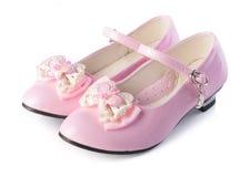 zapato las sandalias del niño en un fondo Foto de archivo