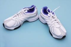 Zapatos atléticos fotografía de archivo libre de regalías