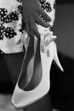 Zapatos blancos de la boda Fotografía de archivo