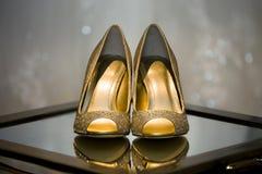 Zapatos blancos de la boda Imagen de archivo libre de regalías