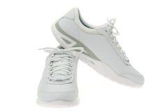 Zapatos blancos de los deportes Imágenes de archivo libres de regalías