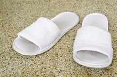Zapatos blancos viejos Foto de archivo libre de regalías