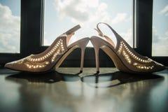 Zapatos blancos Wedding Imágenes de archivo libres de regalías