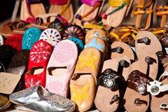 Zapatos coloridos Fotos de archivo libres de regalías