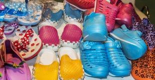 Zapatos coloridos Imágenes de archivo libres de regalías