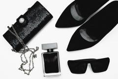 Zapatos con perfume y accesorios Fotos de archivo