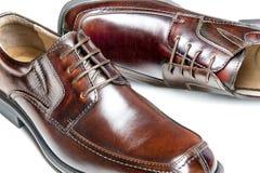 Zapatos de alineada de cuero de Brown imagenes de archivo