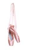 Zapatos de ballet colgados Fotografía de archivo