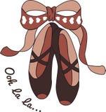 Zapatos de ballet con las cintas Foto de archivo