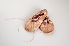 Zapatos de ballet del niño Imagenes de archivo
