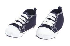 Zapatos de bebé azules del dril de algodón Foto de archivo libre de regalías