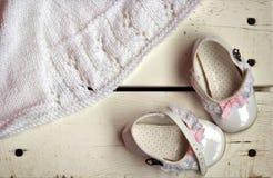 Zapatos de bebé preciosos Fotografía de archivo
