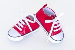 Zapatos de bebé rojos fotos de archivo libres de regalías