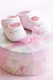 Zapatos de bebé rosados Fotografía de archivo