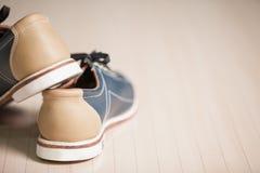 Zapatos de bolos. imagen de archivo