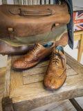Zapatos de cuero del extremo del ala del vintage Imagen de archivo libre de regalías