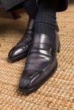 Zapatos de cuero italianos hechos a mano para hombre lujosos de la abarca Fotos de archivo
