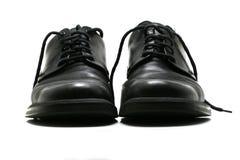 Zapatos de cuero negros de los hombres formales Imágenes de archivo libres de regalías