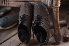 zapatos de goma viejos Imagenes de archivo
