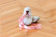 Zapatos de la bailarina fotos de archivo libres de regalías