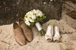 Zapatos de la boda imagenes de archivo