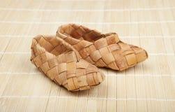 Zapatos de la estopa Imágenes de archivo libres de regalías