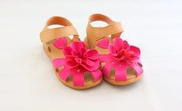 Zapatos de la flor de los niños Fotos de archivo