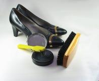 Zapatos de la limpieza fotos de archivo libres de regalías