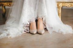 Zapatos de la novia imagen de archivo