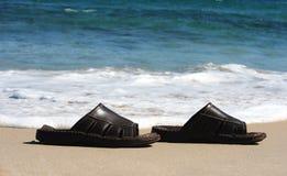 Zapatos de la playa fotografía de archivo libre de regalías